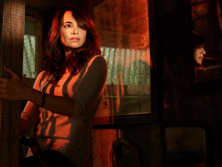 Nora Martínez en THE STRAIN.