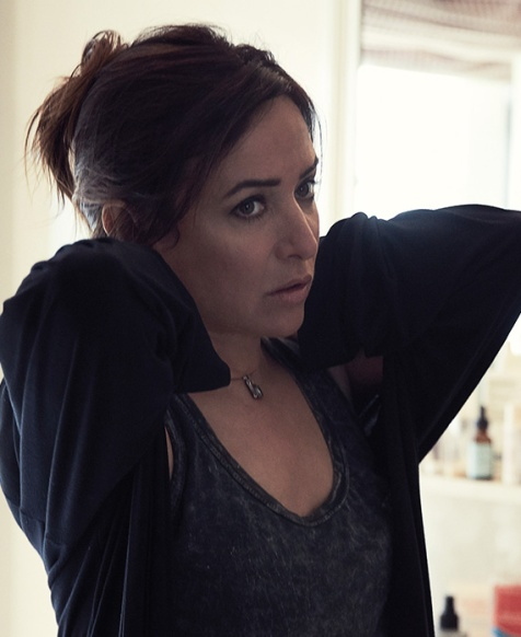 web_cast_pamelaadlon_better-things_570x698