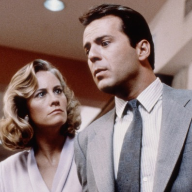 MOONLIGHTING, Cybill Shepherd, Bruce Willis, in Season 1 episode, 'Brother Can You Spare A Blonde' September 24, 1985. ©ABC. Courtesy: Everett Collection