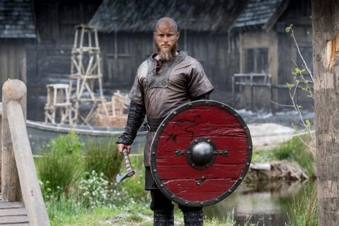 fox-action-vikings-s4-ragnar-travis-fimmel-1