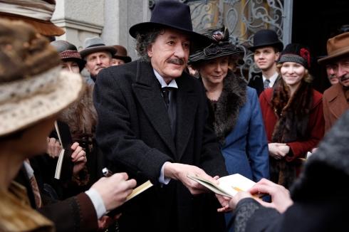 Czech Republic - Geoffrey Rush (Albert Einstein) with Emily Watson (Elsa Einstein) in National Geographic's Genius (National Geographic/Dusan Martincek)