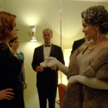 FEUD -- Pictured: (l-r) Susan Sarandon as Bette Davis, Jessica Lange as Joan Crawford. CR: Suzanne Tenner/FX