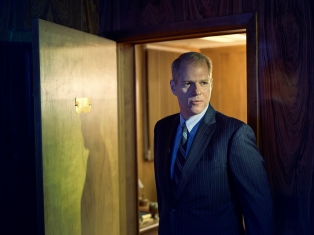 THE AMERICANS -- Pictured: Noah Emmerich as Stan Beeman. CR: Matthias Clamer/FX