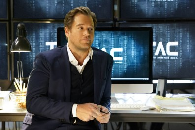 """""""The Necklace""""--Dr. Jason Bull (Michael Weatherly), the brilliant, brash founder of a prolific trial consulting firm, combines psychology, human intuition and high tech data to create winning strategies that steer high-stakes trials in his clients' favor, on the series premiere of BULL, Tuesday, Sept. 20 (10:00-11:00 PM, ET/PT), on the CBS Television Network. Pictured: Michael Weatherly as Dr. Jason Bull Photo: David M. Russell/CBS ©2016 CBS Broadcasting, Inc. All Rights Reserved"""