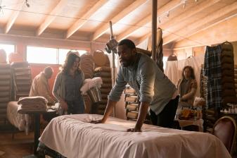 Colman Domingo as Victor Strand, Karen Bethzabe as Elena- Fear the Walking Dead _ Season 3, Episode 2 - Photo Credit: Michael Desmond/AMC