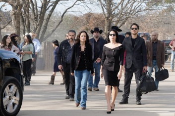 "QUEEN OF THE SOUTH -- ""Dios Y El Abogado"" Episode 202 -- Pictured: (l-r) -- (Photo by: Bill Matlock/USA Network)"