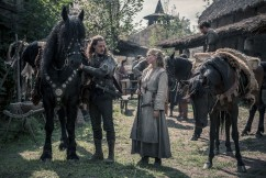 The Last Kingdom / Series Two Photographer: Katalin Vermes © Carnival Film & Television Limited 2017 Alexander Dreymon (as Uhtred) , Eva Birthistle (as Hild), Gerard Kearns (as Halig)