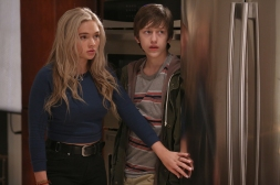 THE GIFTED: L-R: Natalie Alyn Lind and Percy Hynes White in THE GIFTED premiering Monday, Oct. 2 (9:00-10:00 PM ET/PT) on FOX. ©2017 Fox Broadcasting Co. Cr: Ryan GreenFOX