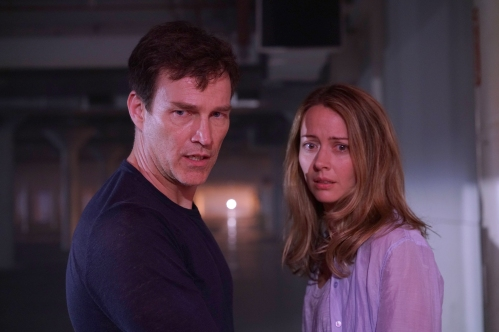 THE GIFTED: L-R: Stephen Moyer and Amy Acker in THE GIFTED premiering premiering Monday, Oct. 2 (9:00-10:00 PM ET/PT) on FOX. ©2017 Fox Broadcasting Co. Cr: Ryan Green/FOX