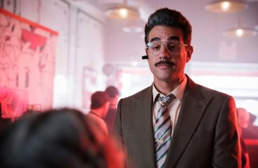 """MR. ROBOT -- """"eps3.0_power-saver-mode.h"""" Episode 301 -- (Pictured: Bobby Cannavale as Irving -- (Photo by: Peter Kramer/USA Network)"""