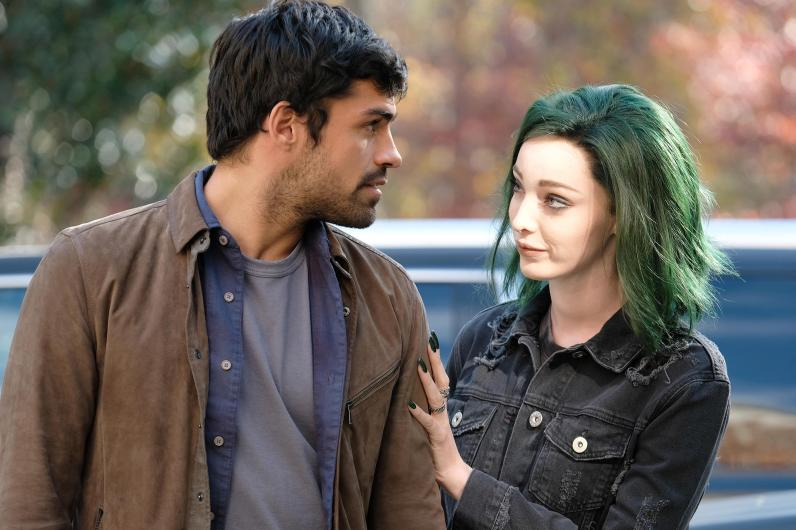 "THE GIFTED: L-R: Sean Teale and Emma Dumont in the first part of the ""eXtraction/X-roads"" two-hour season finale of THE GIFTED airing Monday, Jan. 15 (8:00-10:00 PM ET/PT) on FOX. ©2017 Fox Broadcasting Co. Cr: Eliza Morse/FOX"