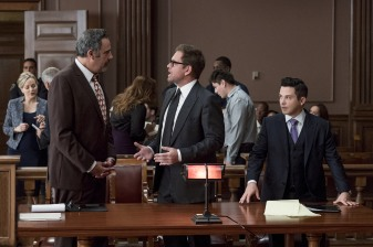 """""""The Illusion of Control""""-- Bull hires an eccentric lawyer to represent him when a celebrity sues him after his advice regarding her custody case backfires, on BULL, Tuesday, Oct 17 (9:00-10:00 PM, ET/PT) on the CBS Television Network. Pictured L-R: Brad Garrett as Ron Getman, Michael Weatherly as Dr. Jason Bull, and Freddy Rodriguez as Benny Colón Photo: David Giesbrecht/CBS ©2017 CBS Broadcasting, Inc. All Rights Reserved"""