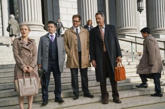 """""""The Illusion of Control""""-- Bull hires an eccentric lawyer to represent him when a celebrity sues him after his advice regarding her custody case backfires, on BULL, Tuesday, Oct 17 (9:00-10:00 PM, ET/PT) on the CBS Television Network. Pictured L-R: Geneva Carr as Marissa Morgan, Freddy Rodriguez as Benny Colón, Michael Weatherly as Dr. Jason Bull, and Brad Garrett as Ron Getman Photo: John Paul Filo/CBS ©2017 CBS Broadcasting, Inc. All Rights Reserved"""