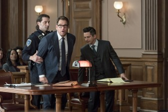 """""""The Illusion of Control""""-- Bull hires an eccentric lawyer to represent him when a celebrity sues him after his advice regarding her custody case backfires, on BULL, Tuesday, Oct 17 (9:00-10:00 PM, ET/PT) on the CBS Television Network. Pictured L-R: Michael Weatherly as Dr. Jason Bull and Freddy Rodriguez as Benny Colón Photo: David Giesbrecht/CBS ©2017 CBS Broadcasting, Inc. All Rights Reserved"""