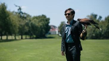 FOX Premium - AQUI EN LA TIERRA - Gael García Bernal es El Pájaro (3)