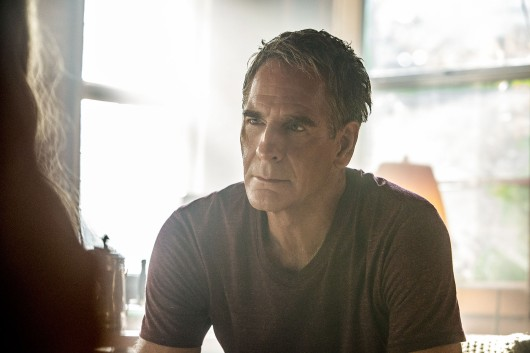 """""""#1 Fan"""" -- While preparing to leave on a fishing trip, Martha Roberts (Dendrie Taylor), an erratic whistleblower who calls Pride her mentor, kidnaps him to help her locate a serial killer targeting young women in the Gulf of Mexico, on NCIS: NEW ORLEANS, Tuesday, Oct. 17 (10:00-11:00 PM, ET/PT) on the CBS Television Network. Pictured: Scott Bakula as Special Agent Dwayne Pride Photo: Skip Bolen/CBS ©2017 CBS Broadcasting, Inc. All Rights Reserved"""